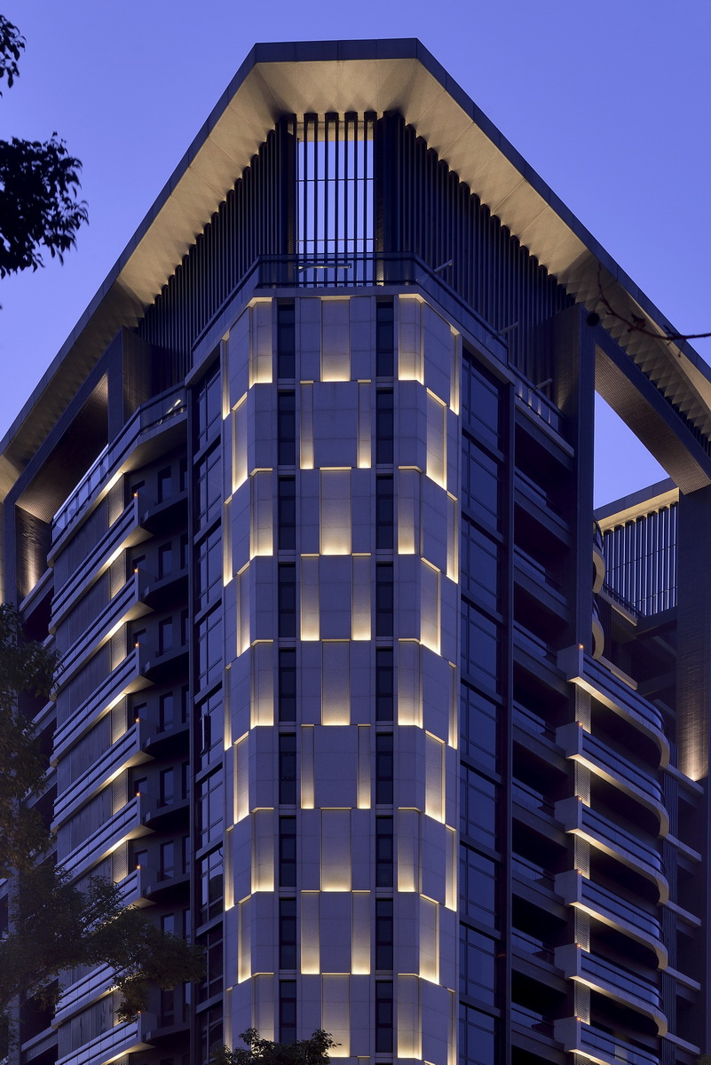 1000  Images About Building Facade Lighting On Pinterest